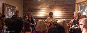 IMAG7179 Sheryl Crow and Brandi Carlisle singing together 20 Sep 2013