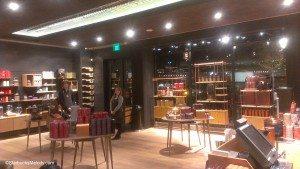IMAG8162 teavana store - retail lobby 19 Nov 2013