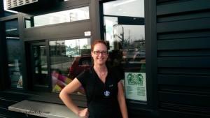 2 - 1- IMAG0138 store manager Lisa Tustin and Chapman