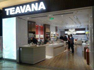 2 - 1- DSC00880 Looking into new Teavana store 26Nov14