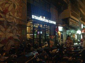 DSCN30054 Outside of De Tham Starbucks