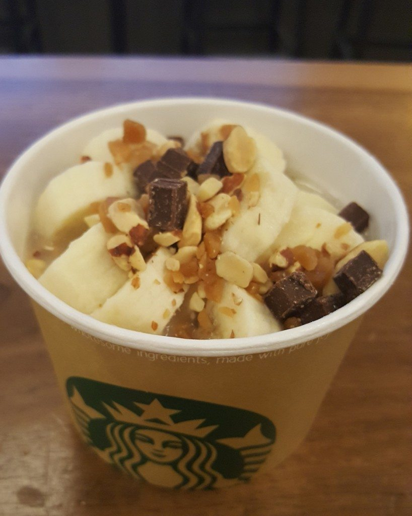 20160907_194225 oatmeal with a sliced fresh banana